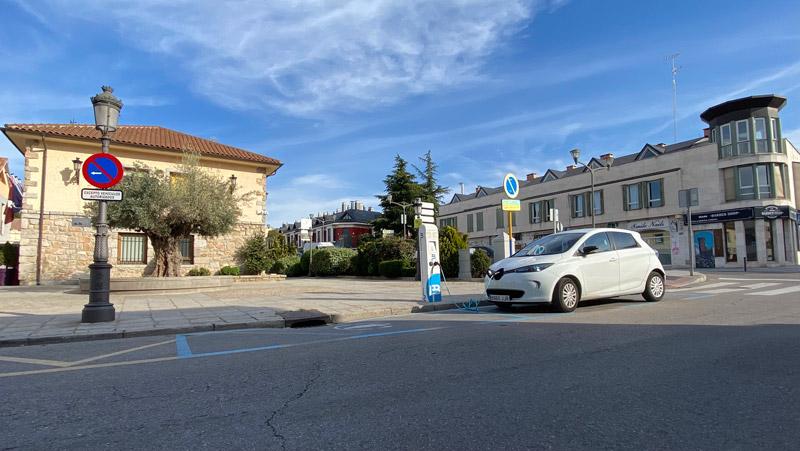 cargador de vehículos eléctricos en Torrelodones